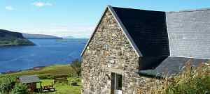 La Bergerie:- Luxury self-catering cottage accommodation for holiday rental overlooking Loch Bay, Waternish on Scotland's beautiful Isle of Skye